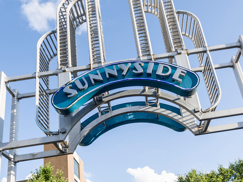 Famous Sunnyside Sign